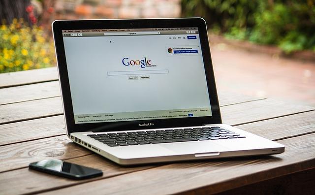Udnyt internettet og spar flere hundrede kroner
